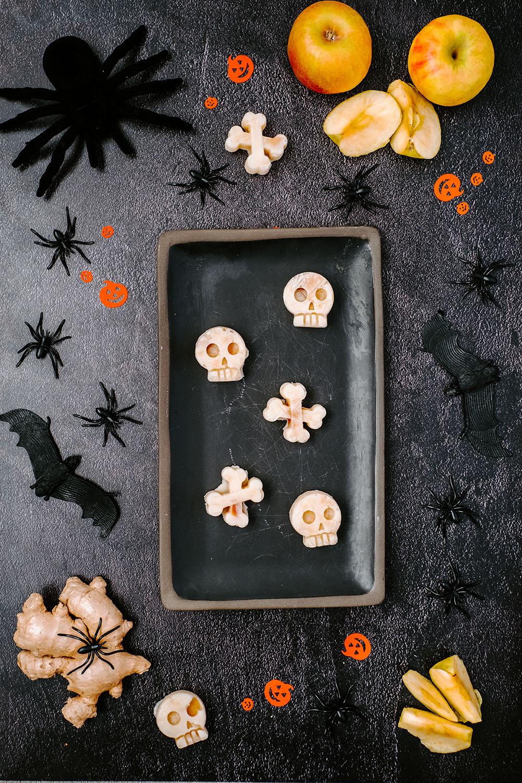 BloosBuffet berry Halloween tray
