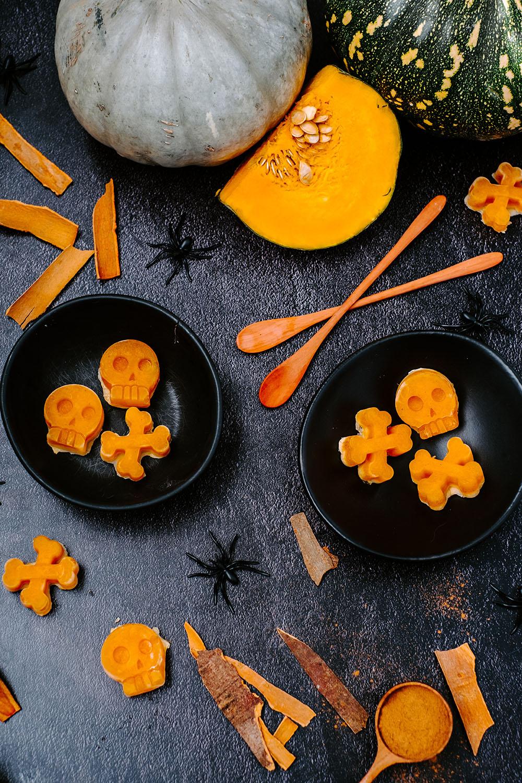 BloosBuffet berry Halloween bowl